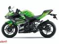 Kawasaki-Ninja-400-011