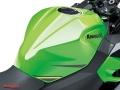Kawasaki-Ninja-400-015