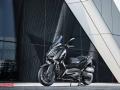 Yamaha-XMAX-IRON-016