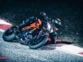 KTM-1290-SuperDuke-R-2020-001