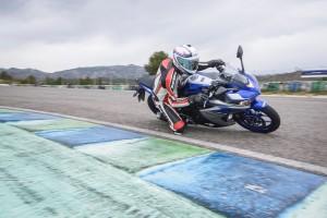 2015-04-15 Yamaha R3-2516