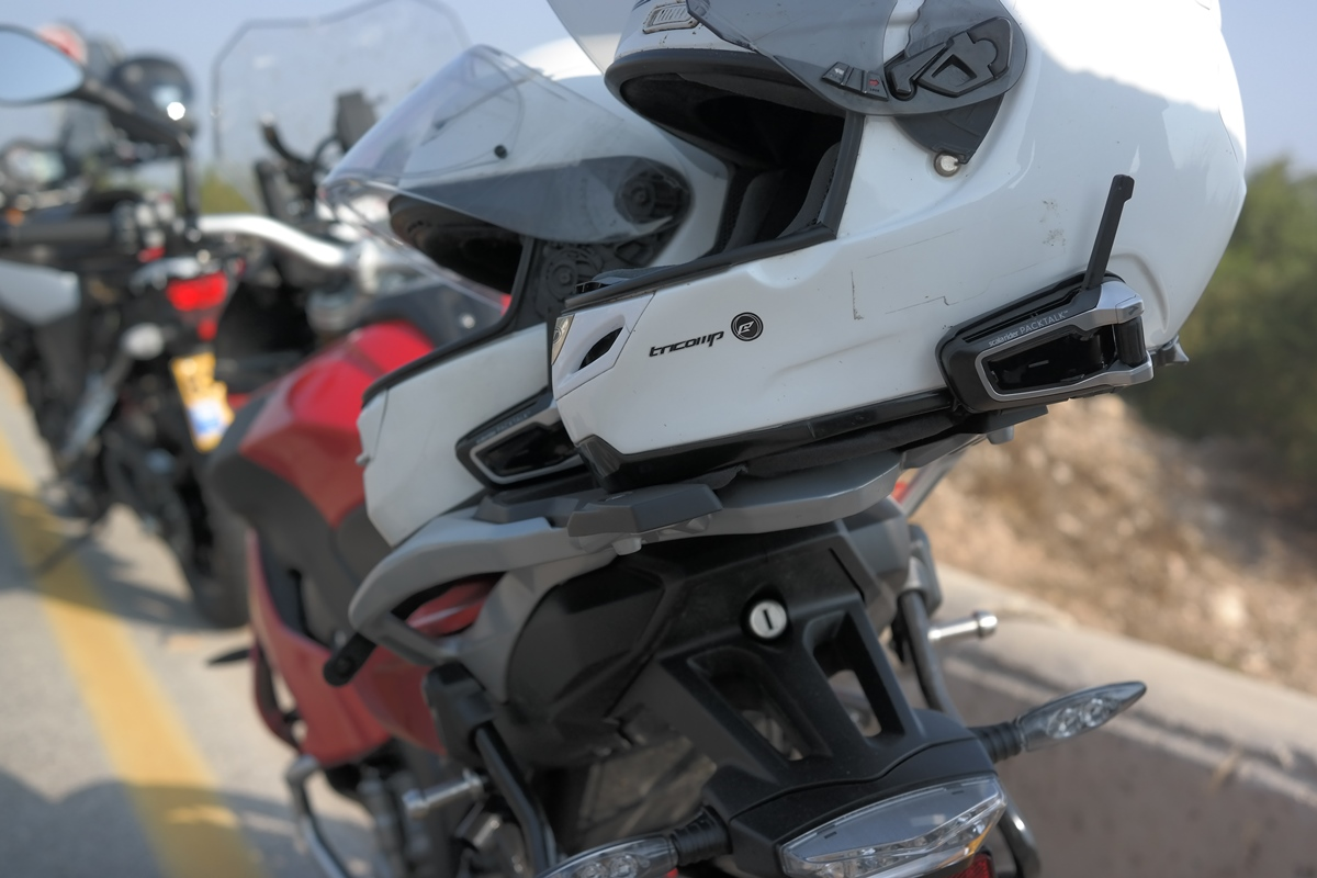 PACKTALK - מאפשרת תקשורת בין 10 רוכבים בו זמנית