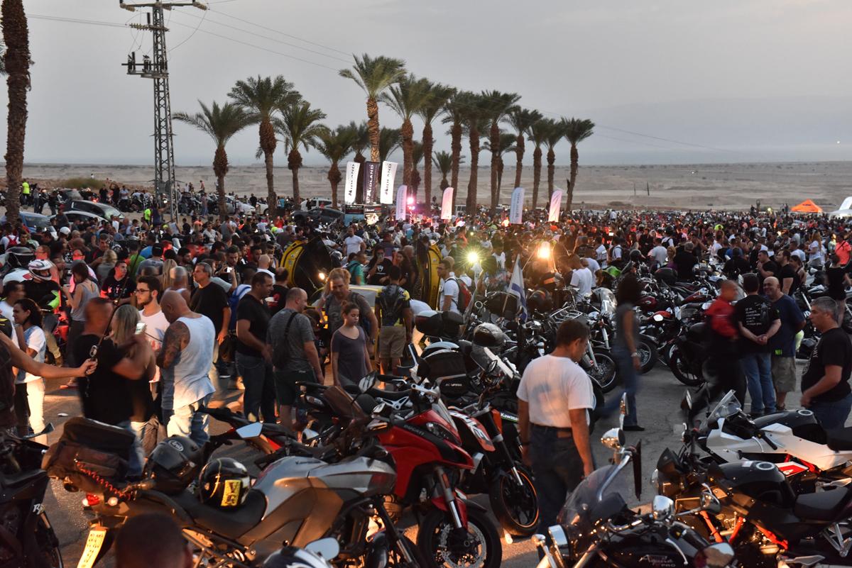 לפי הערכות המשטרה - כ-7,000 איש!
