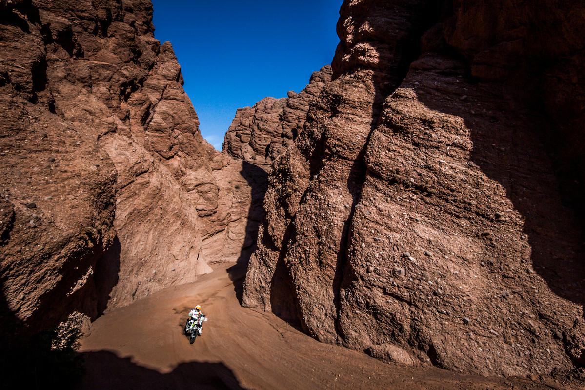 לאיה סאנז - תמונה מדהימה של רוכבת מדהימה