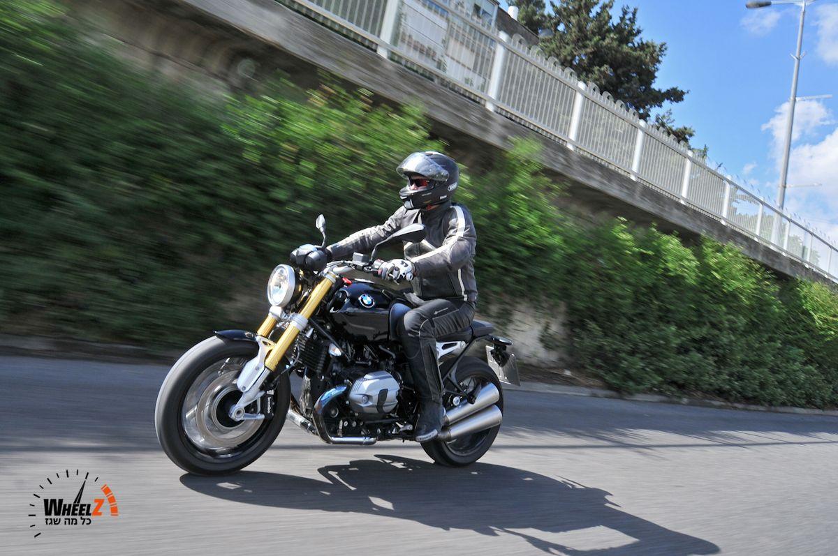 חבר שראה את האופנוע בפעם ראשונה כינה אותו 'נינט'. הדמיון הוא לא רק פונטי, אלא גם סמנטי. כמו ההיא, גם זה הוא סוג של מאמי.