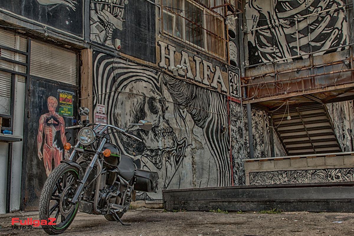 אופנוע ברים ובתי קפה מושלם (צילום: סקוטרמן)
