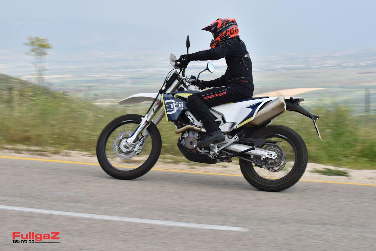 אופנוע קשוח