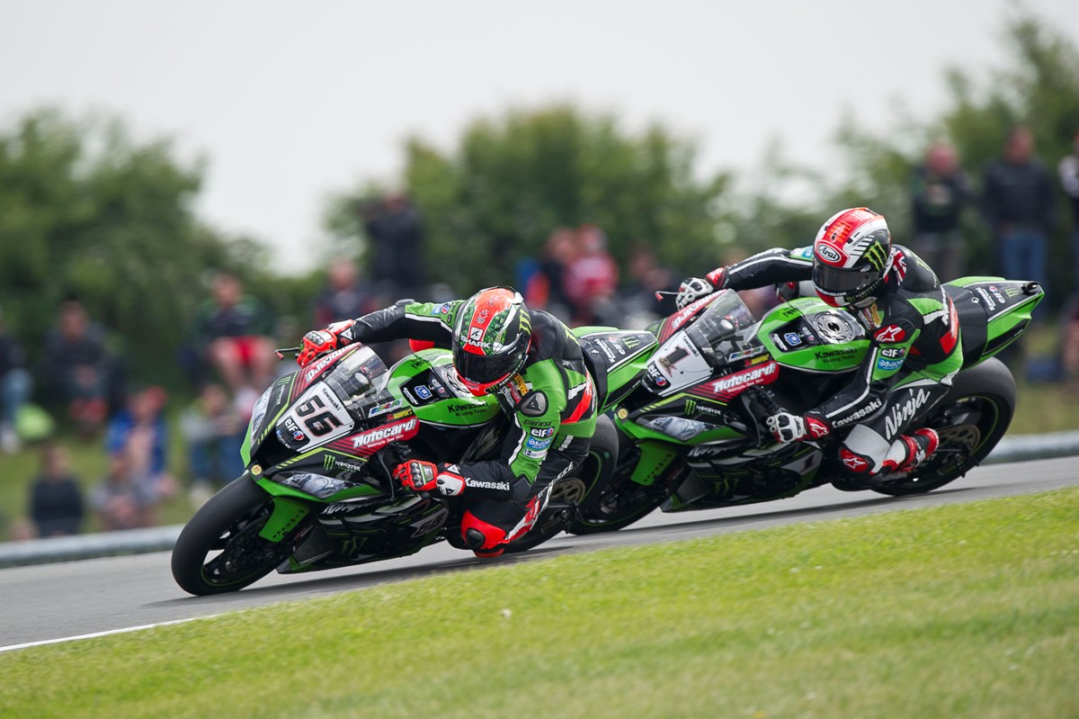 hi_R07_Donington_WorldSBK_2016_Race 2_Sykes_GB39640