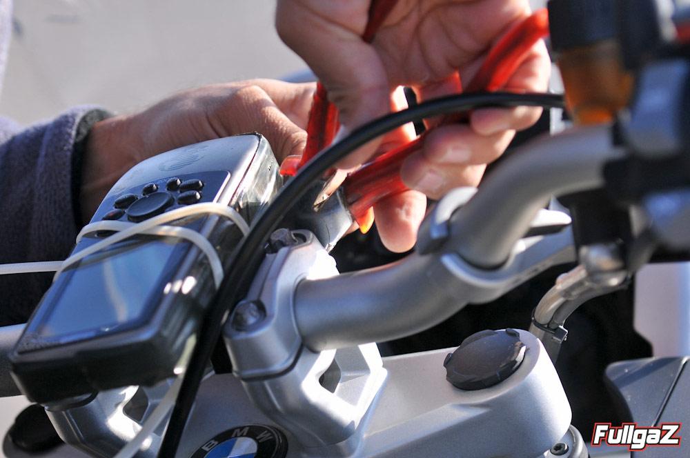 מכשיר GPS הותקן על כל אופנוע למדידת מהירות מדויקת