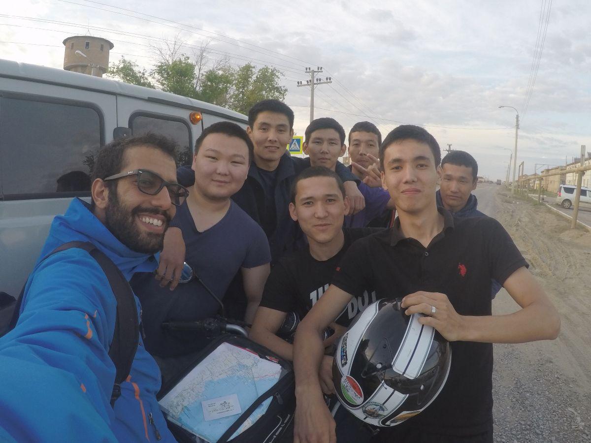 אנשים טובים באמצע הדרך (בקזחסטן)