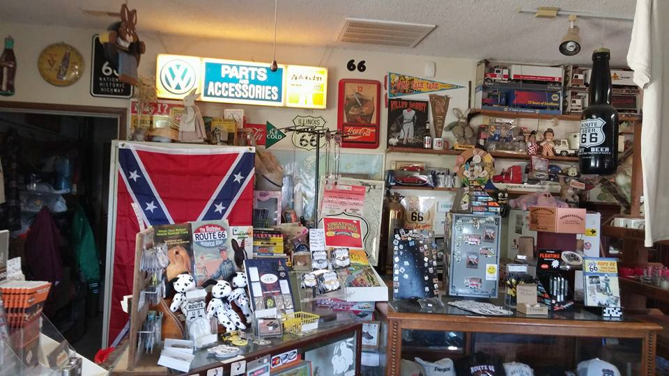 חנות אמריקאית אופיינית על הדרך