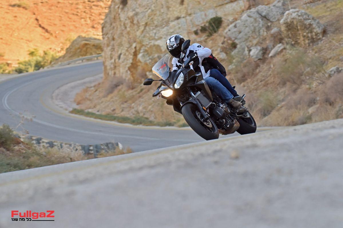 אסופת חלקים בינוניים שיוצרים אופנוע שלם ומעולה. כל הכבוד ימאהה!