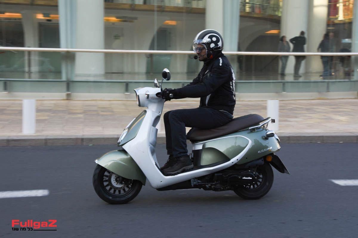 הקטנוע הזול בישראל (צילום: עומרי גוטמן)