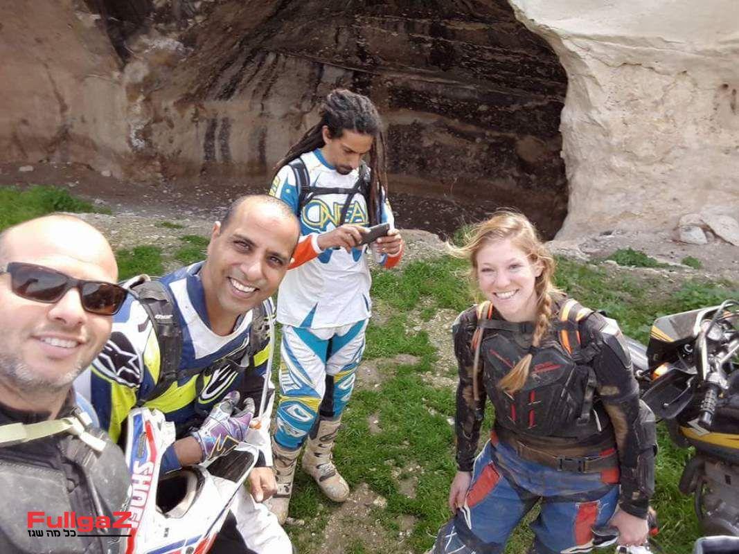 עם החברים בטיול רוכבי השטח של עופר-אבניר