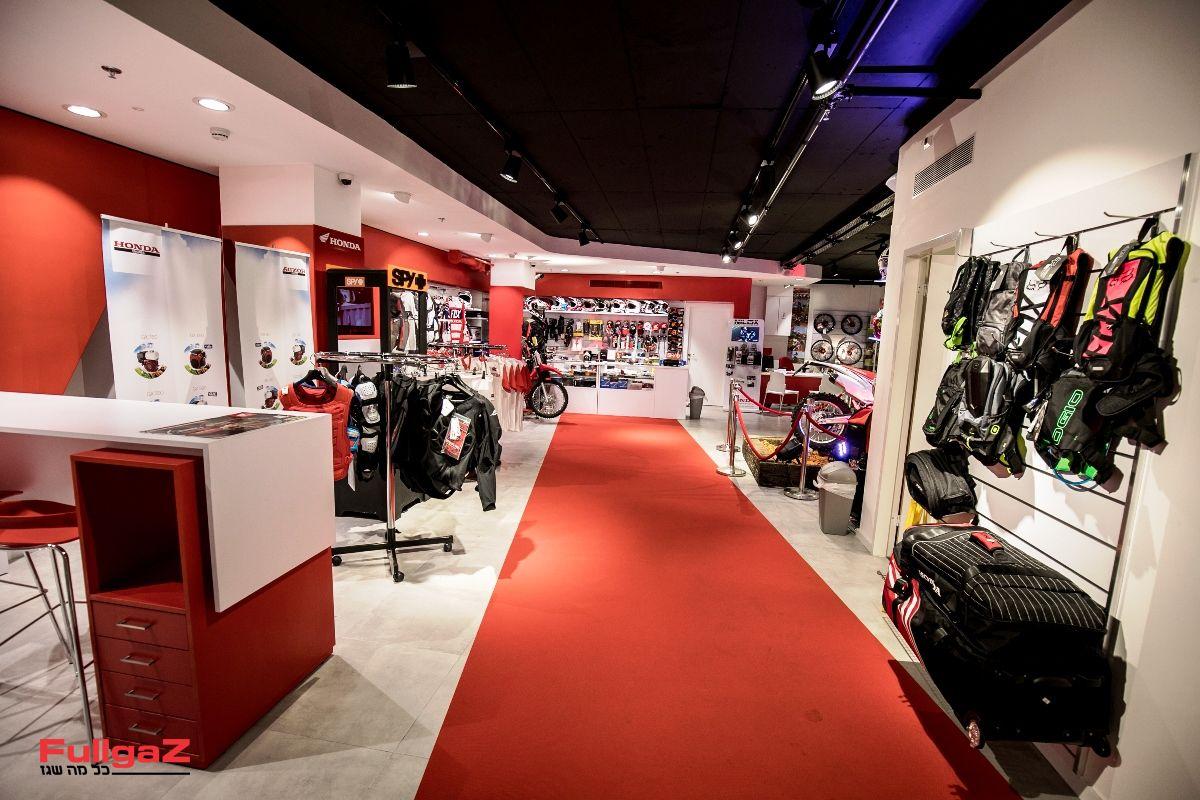 Honda-New-Store-002