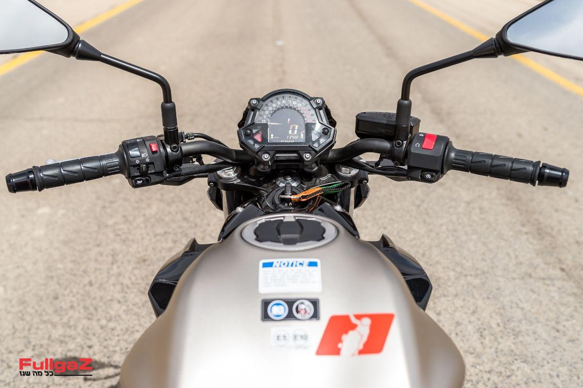 Kawasaki-Z650-020