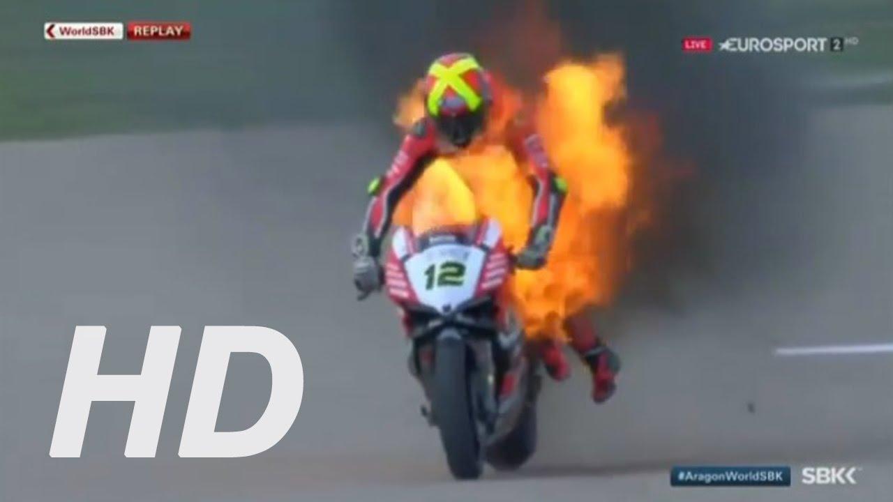הדוקאטי של פורס עולה באש (צילום מסך)