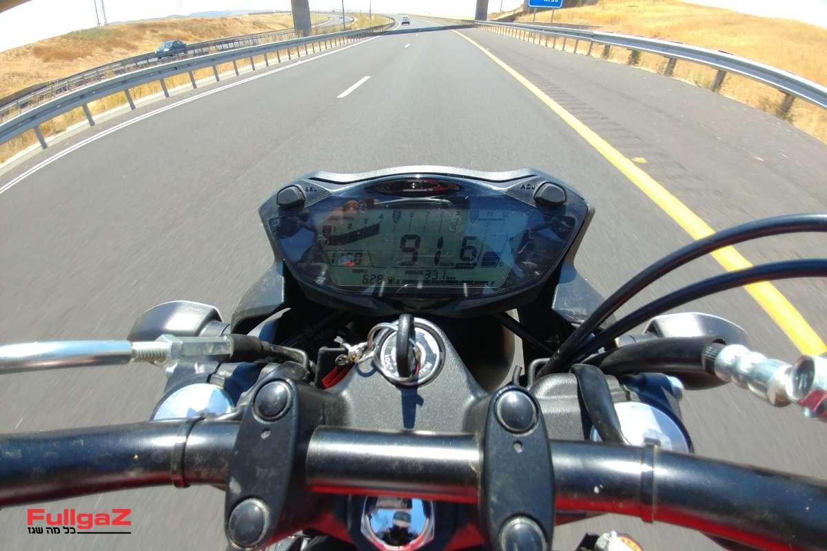 """מהירות קבועה של 90-95 קמ""""ש על כביש 6"""