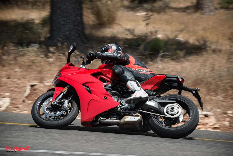 לא אופנוע מרוץ חוקי לכביש, אלא אופנוע ספורט שימושי