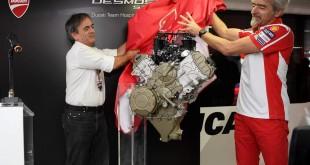 Ducati-V4-engine-007