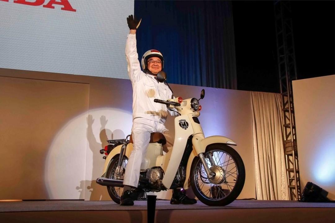 Honda-Cub-100M-012