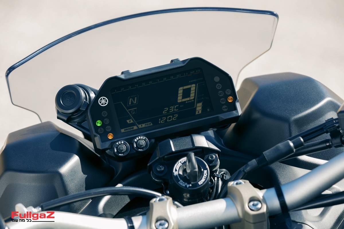 Yamaha-Niken-005