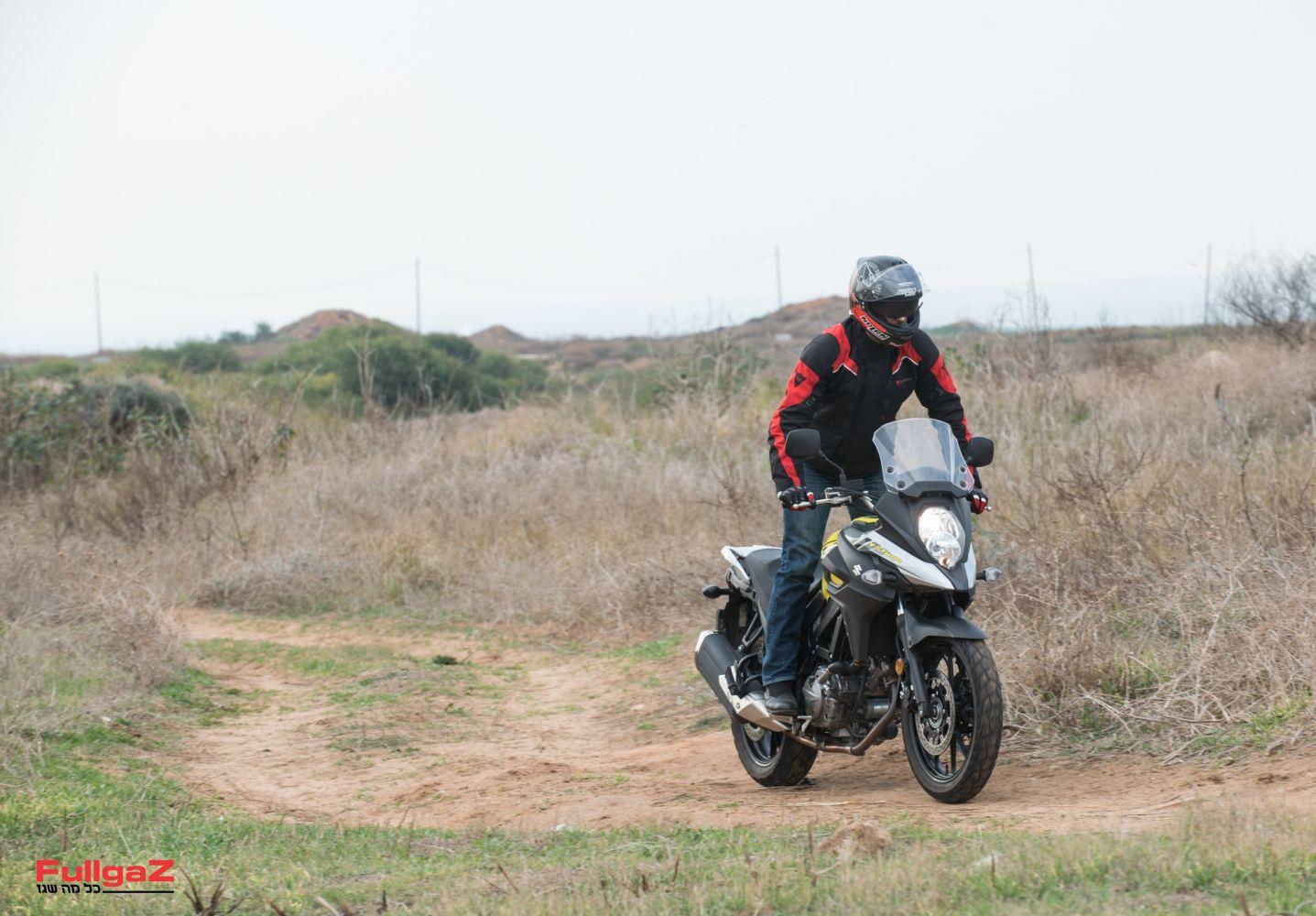 לא אופנוע שטח, אבל בהחלט יכול להתגלגל על שבילים
