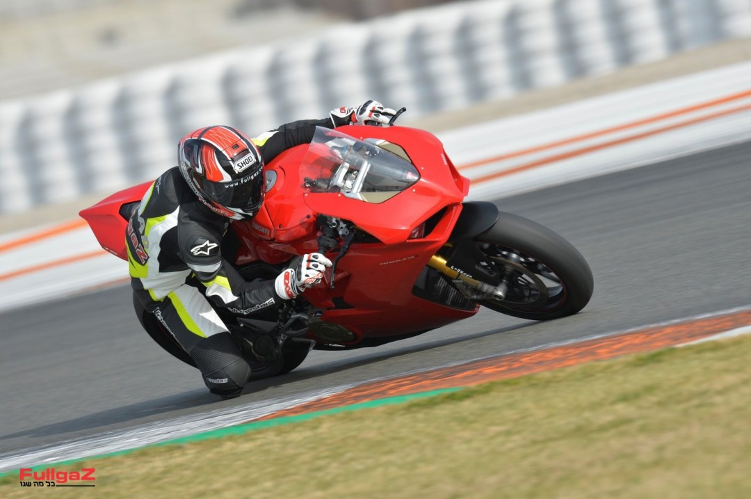 Ducati-Panigale-V4-launch-004