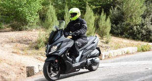 KYMCO-Xciting-400-049