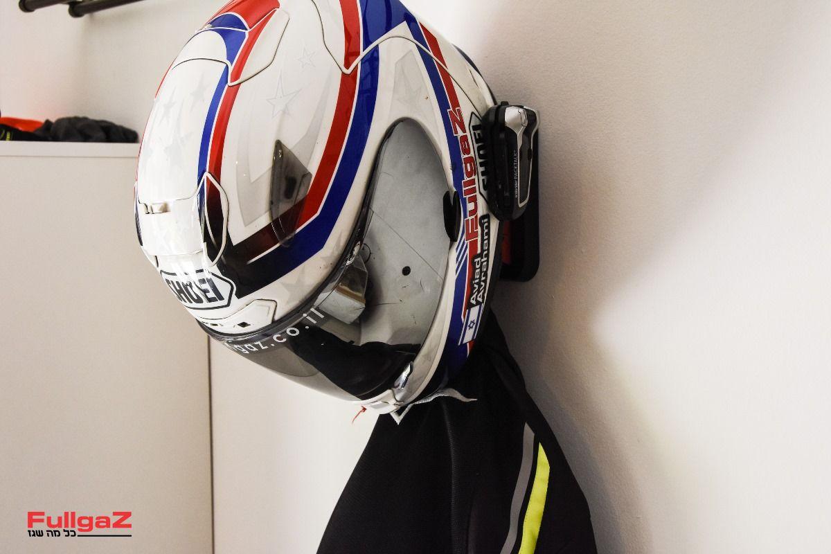 Helmet-Hanger-018