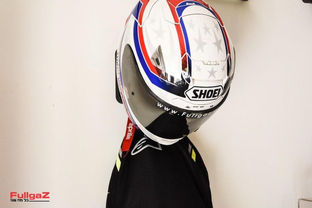 Helmet-Hanger-021
