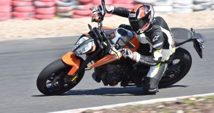 KTM-DUKE-790-launch-011