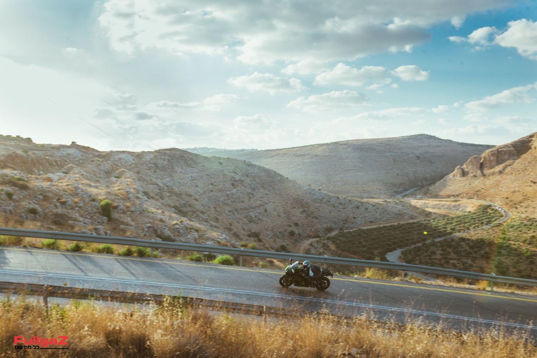אופנוע ספורט-תיור שבנוי על בסיס ה-H2 הרדיקלי