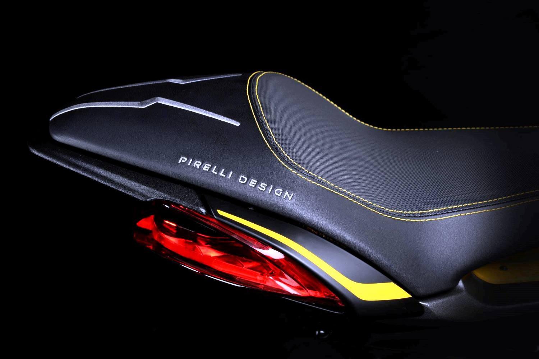 Dragster-RR-Pirelli-2019-003