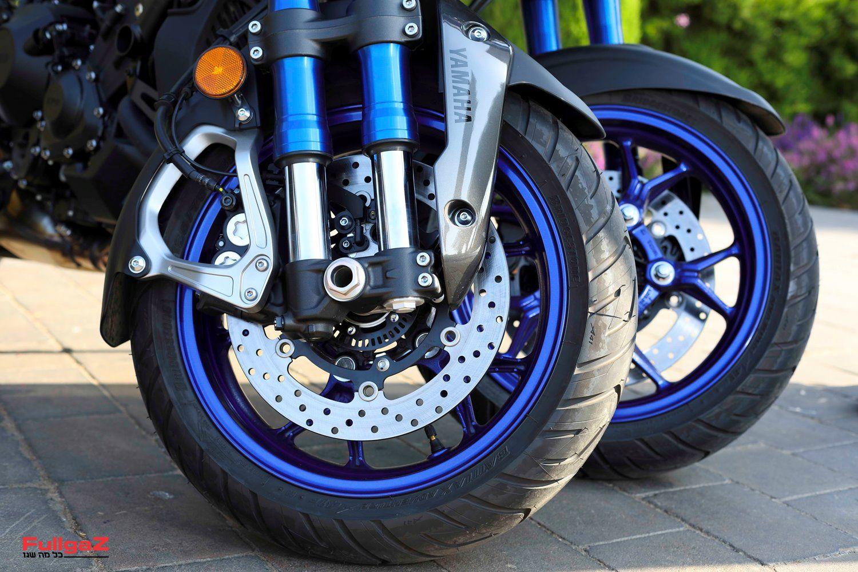 2 גלגלים מלפנים? באופנוע???