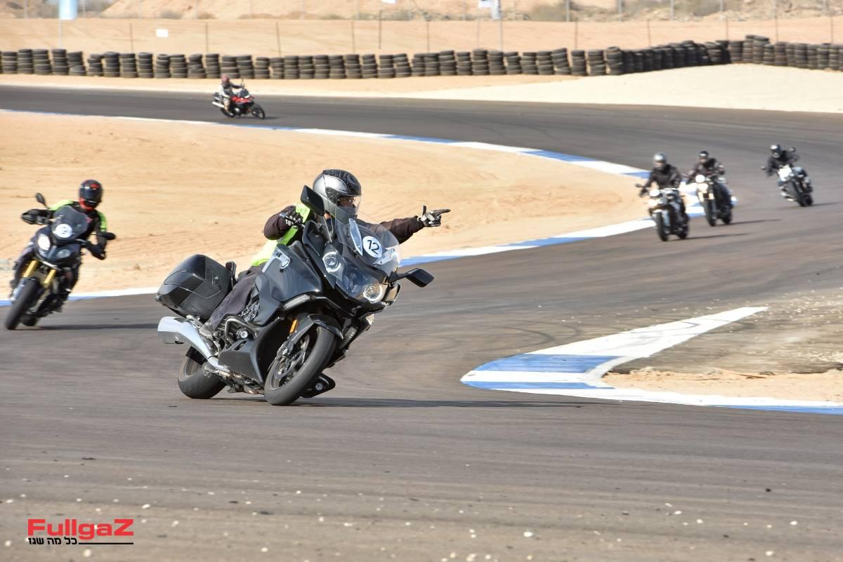 רכיבות מבחן על כל ליין אופנועי ב.מ.וו - על מסלול מוטורסיטי