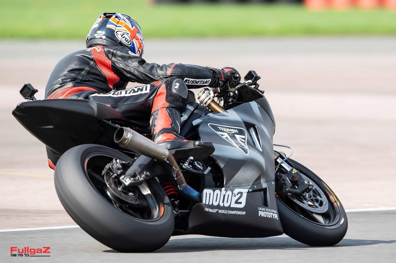 סאונד מדהים; מה יהיה כש-30 רוכבים יפתחו גז בזינוק הראשון ל-Moto2 בעידן טריומף?