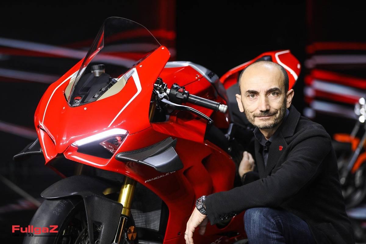 """מנכ""""ל דוקאטי קלאודיו דומיניקלי והפניגאלה V4R החדש"""