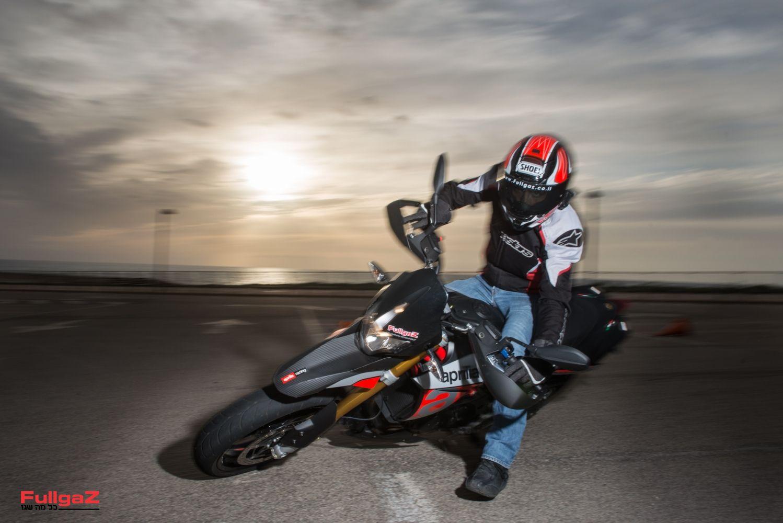 אפריליה דורסודורו 900 - הרבה אופנוע במעט כסף