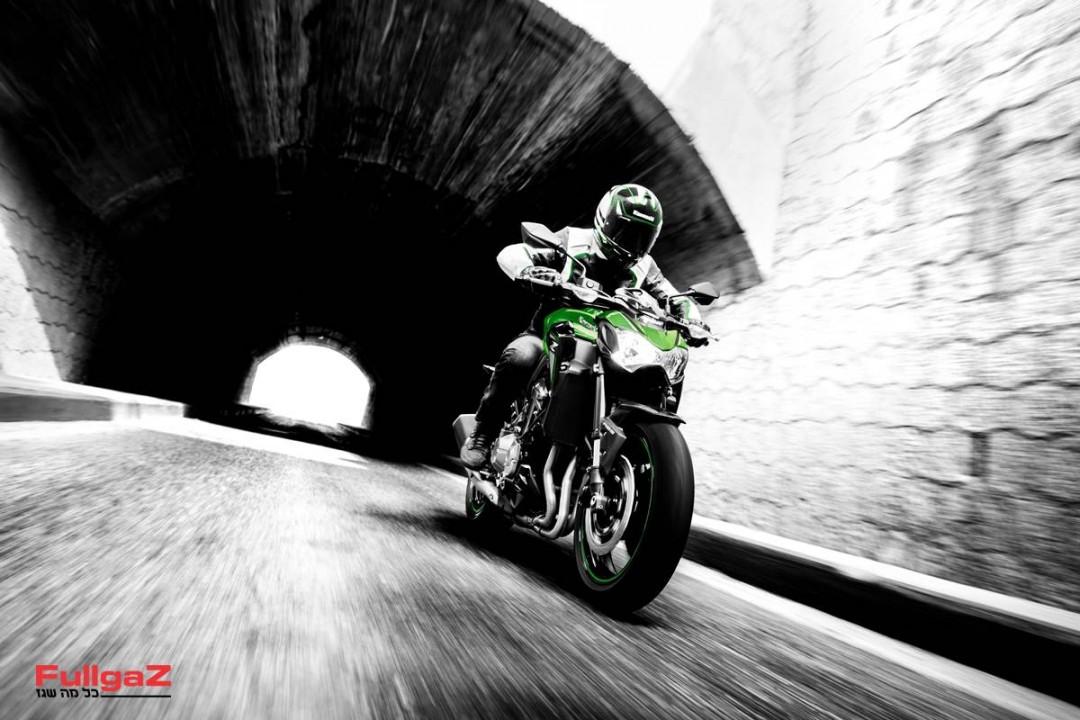Kawasaki-Z900-A1-006