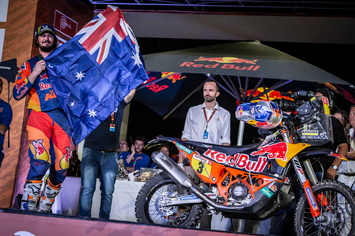 263422_toby.price_finish_Red Bull KTM Factory Racing_Dakar2019_499