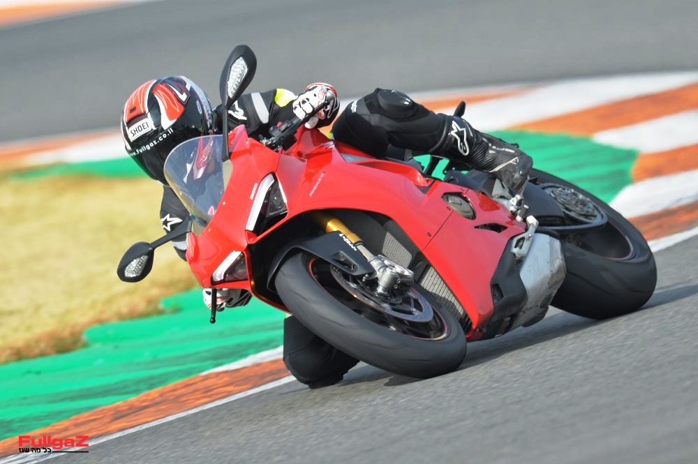Ducati-Panigale-V4-launch-001
