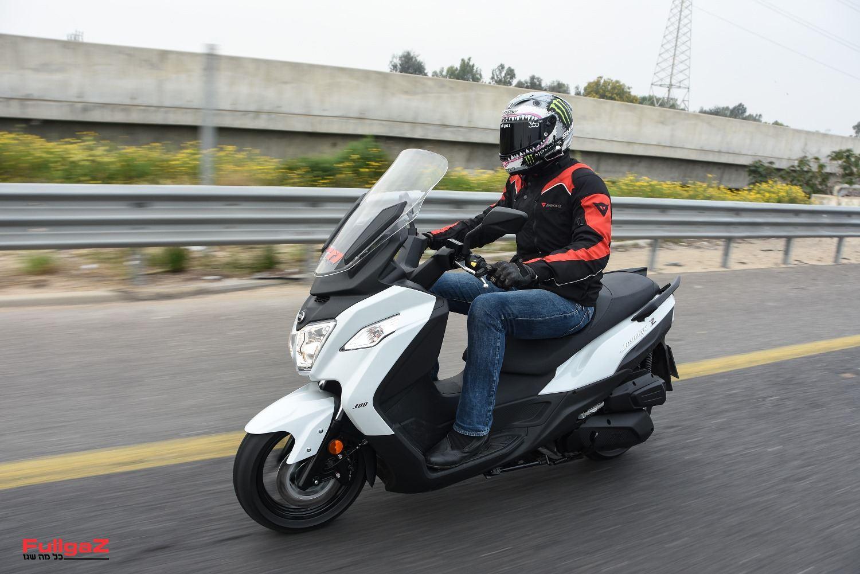 """סאן-יאנג ג'וימקס Z 300 - למי שלא רוצה לשלם יותר מ-25 אלף ש""""ח"""