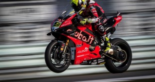 Panigale-V4R-Bautista-002