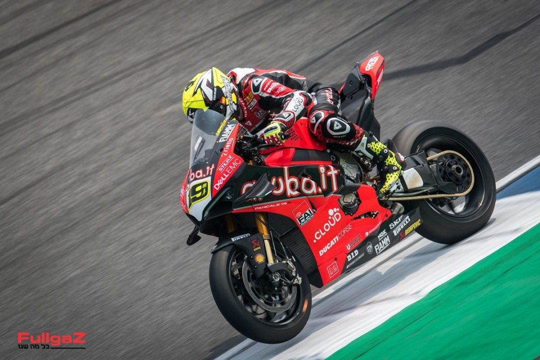 Panigale-V4R-Bautista-003