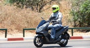 Honda-PCX125-060