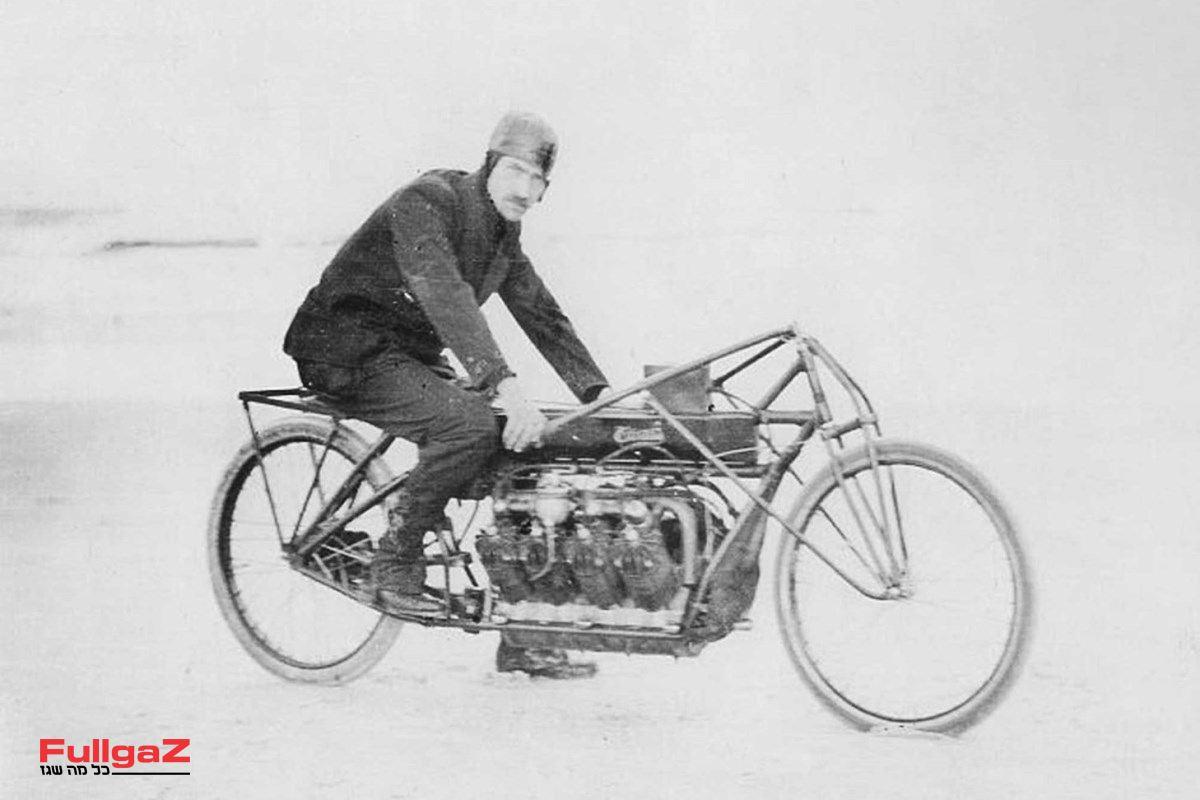 וכך נראה המקור - ה-V8 של קרטיס מ-1907