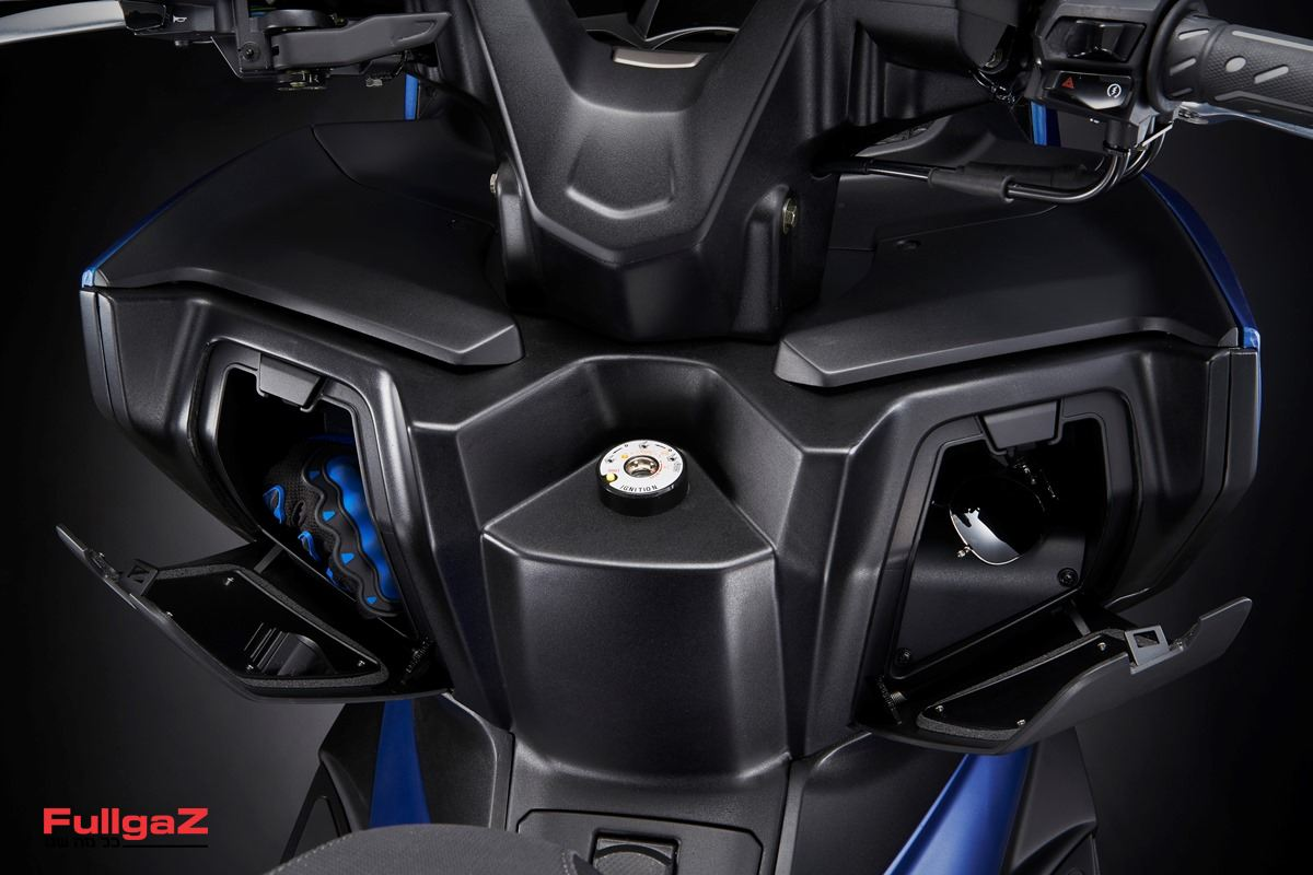KYMCO-Xciting-400S-011