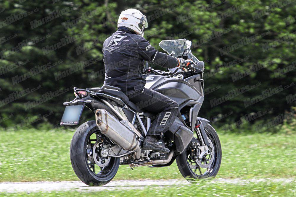 KTM-1290-Super-Adventure-008