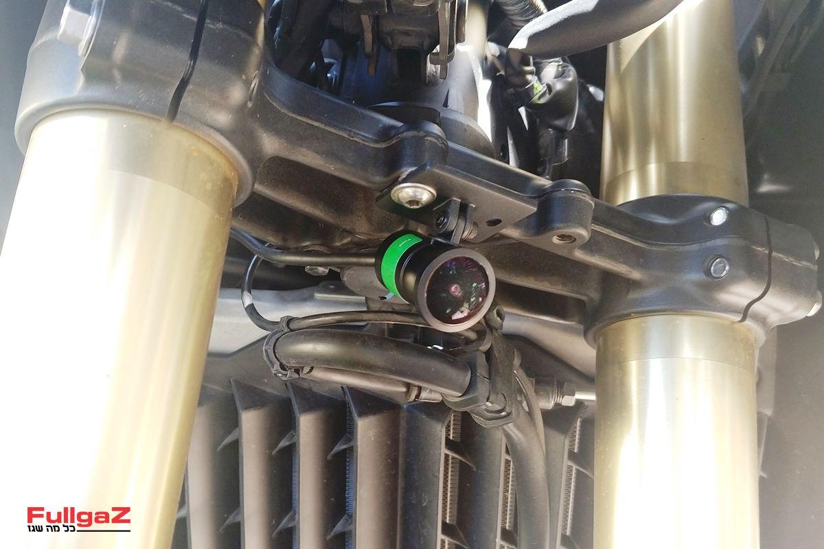המצלמה הקדמית - חיישן של SONY